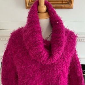 Free People Sweaters - FREE PEOPLE sexy cropped oversized fuscia cowl